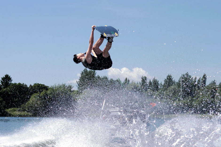 Mitch-Wise-Wakeboarder---grab